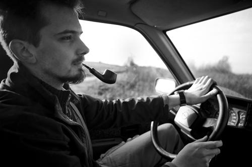 Fajka w samochodzie